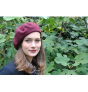 Black Friday Beret in merlot red